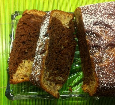 Bananen-Marmorkuchen auf der Platte6